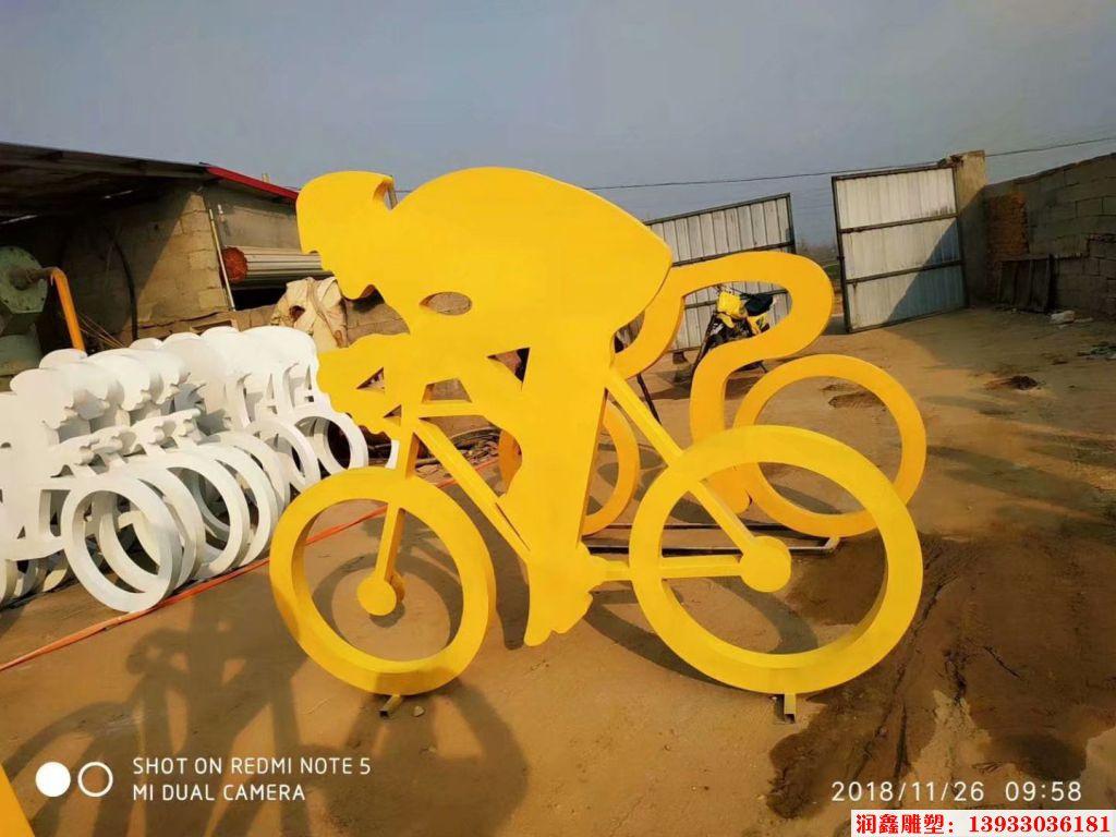 骑行者人物剪影雕塑5