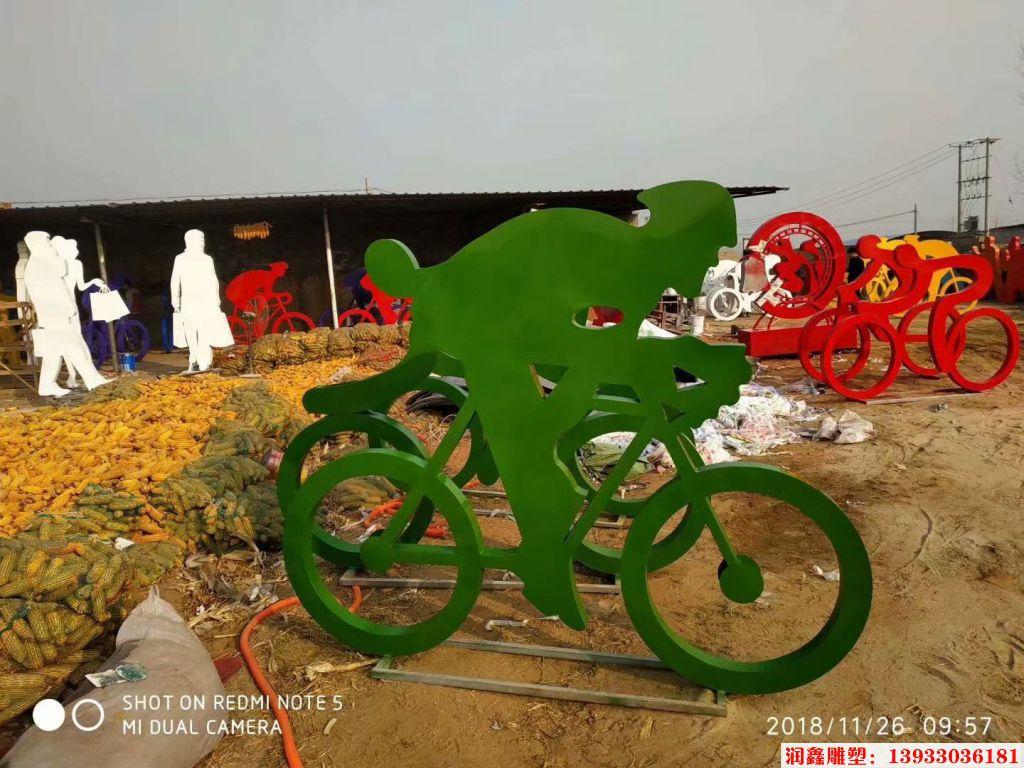 骑行者人物剪影雕塑4