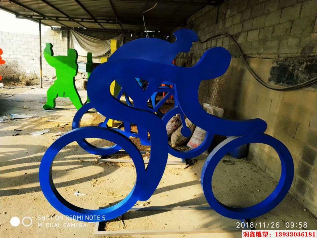 骑行者人物剪影雕塑7