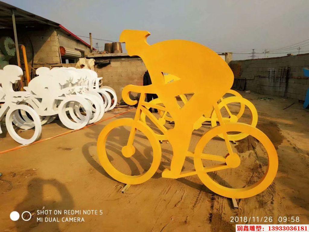 骑行者人物剪影雕塑8