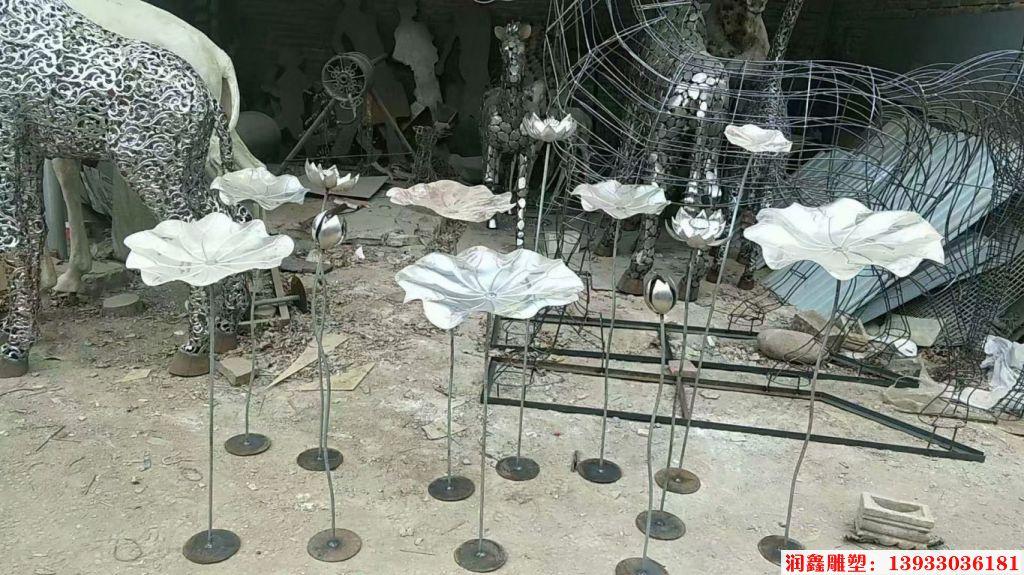 铁艺荷花雕塑