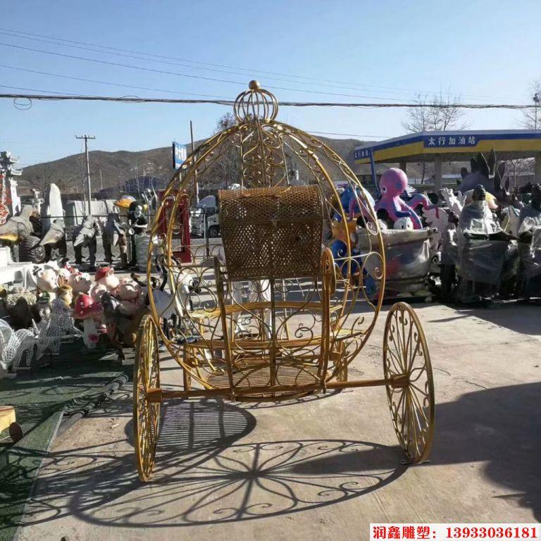 铁艺花车雕塑3
